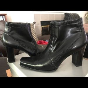 Franco Sarto black leather heeled booties